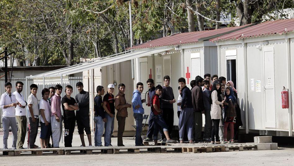 Flüchtlinge im Auffanglager bei Athen