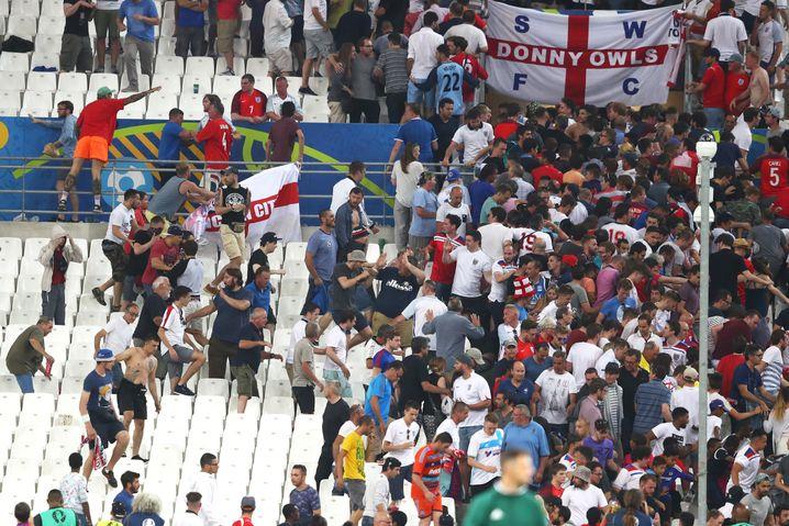 Randale bei der EM 2016 beim Spiel England gegen Russland