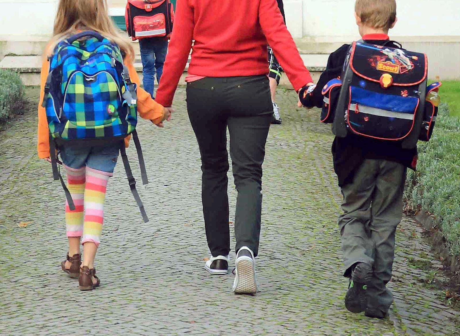 «Elterntaxis» sorgen in Sachsen-Anhalt für Probleme