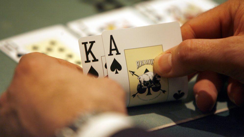 Hirnforschung: Pokerspielern ins Gehirn geschaut