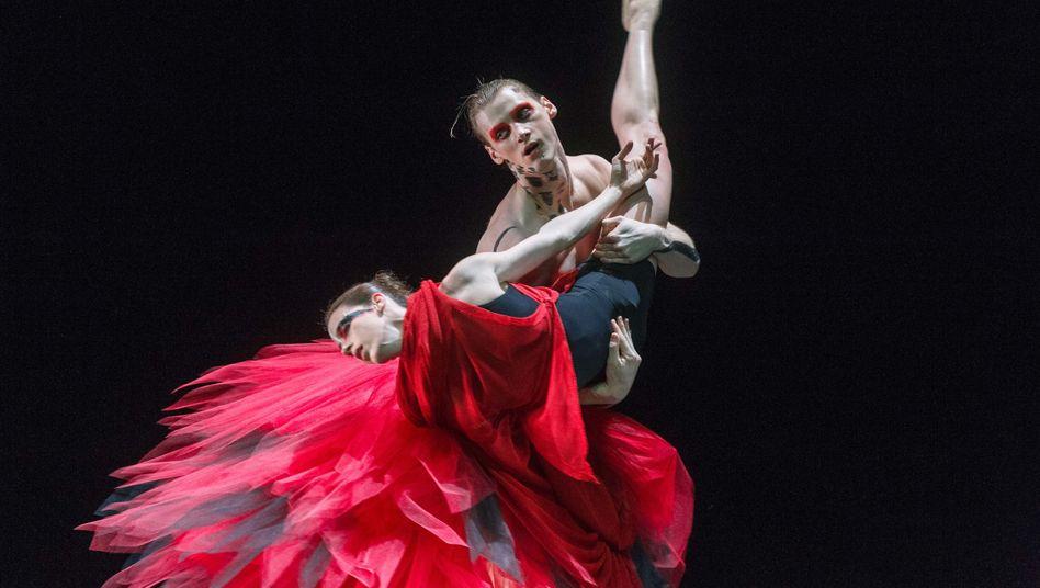 Tanzen ist Leben: Der Takt der Musik treibt Menschen an