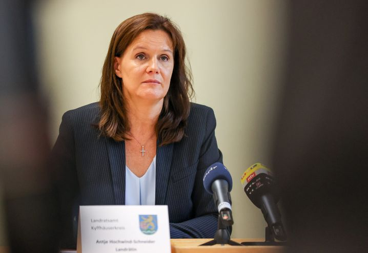 """Landrätin Antje Hochwind-Schneider: """"Wir müssen alles tun, um die Sicherheit der Bürger zu gewährleisten"""""""
