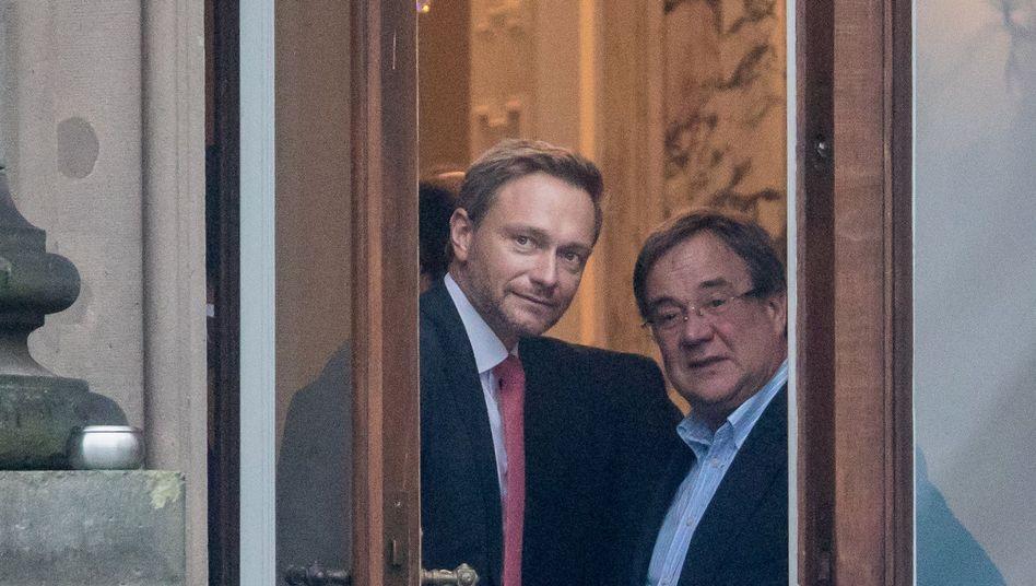 Gesprächspartner Lindner, Laschet während der Verhandlungen über eine Jamaikakoalition im vergangenen Jahr in Berlin