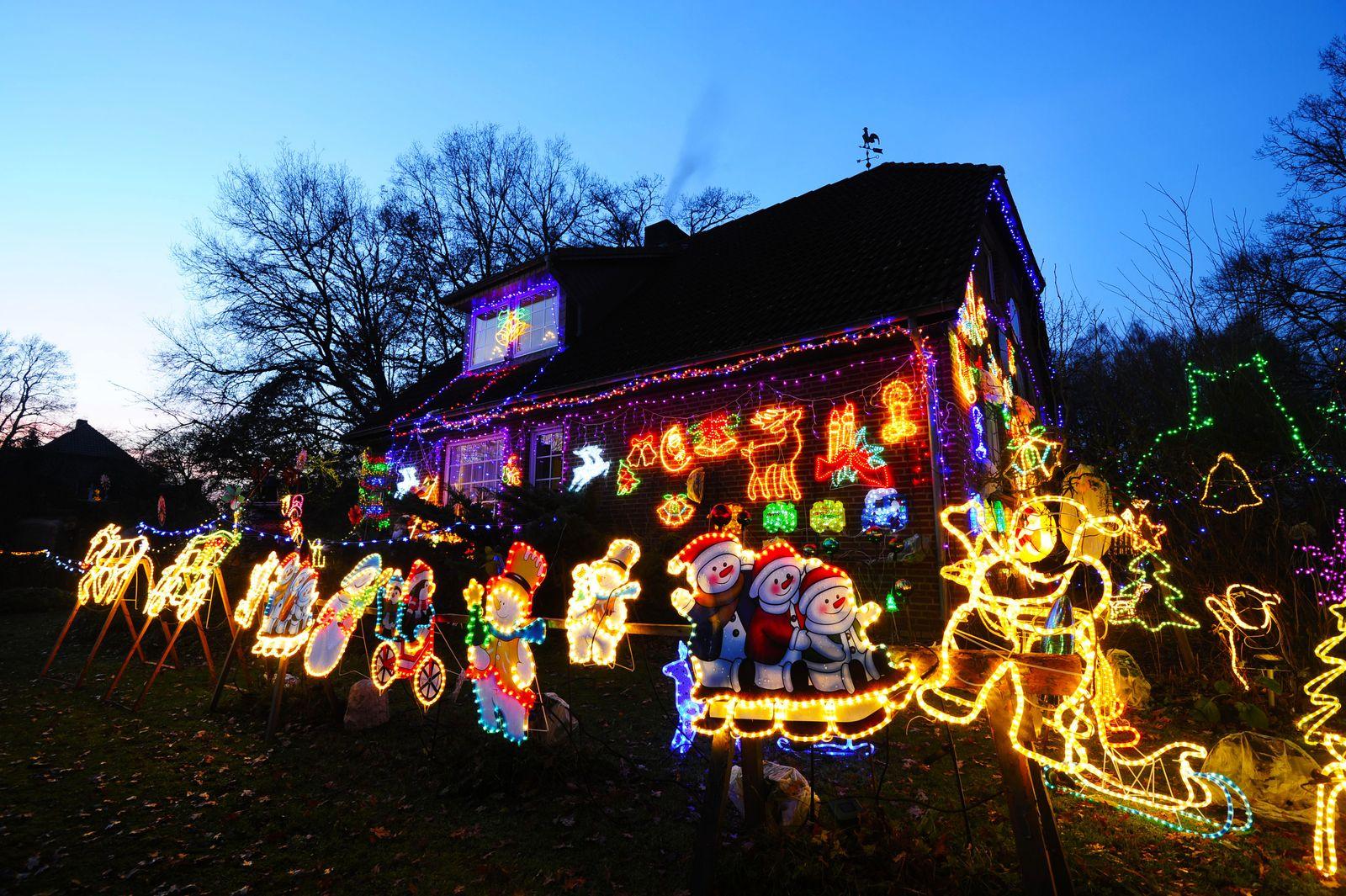 Weihnachtlicher Häuserschmuck