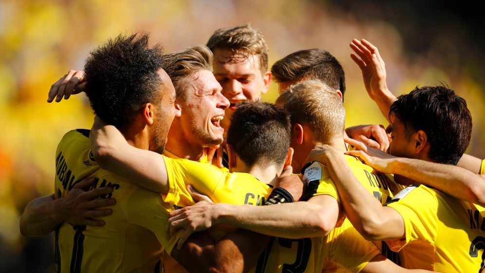 Bundesliga: Späte Tore retten Leverkusen und Gladbach