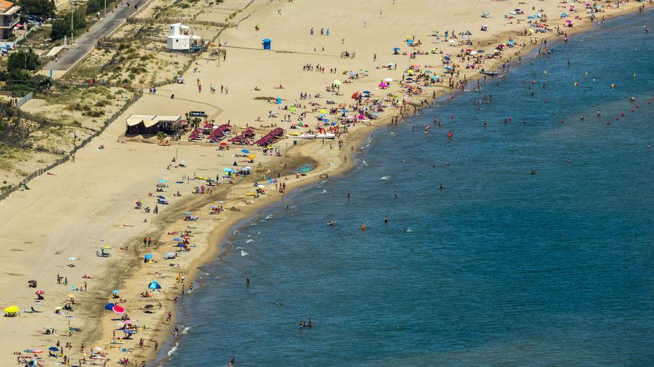 Strand von Cap d'Agde: Erst die Leistung, dann die Bezahlung