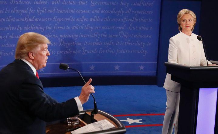 Trump, Clinton während der dritten TV-Debatte (am 19. Oktober 2016)