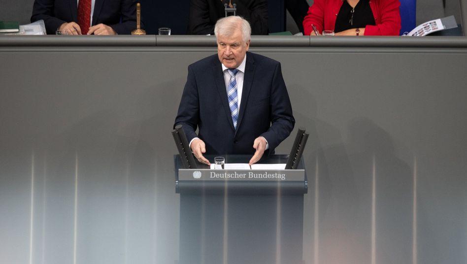 """Horst Seehofer (CSU) sieht Fachkräfteeinwanderungsgesetz als """"historische Weichenstellung"""""""