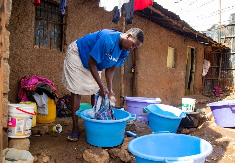 Irene Odhiambo hat Schulden bei der Schule ihres Sohnes: »Niemand will uns Leute aus Kibera anstellen, weil alle Angst vor Covid haben«, sagt sie