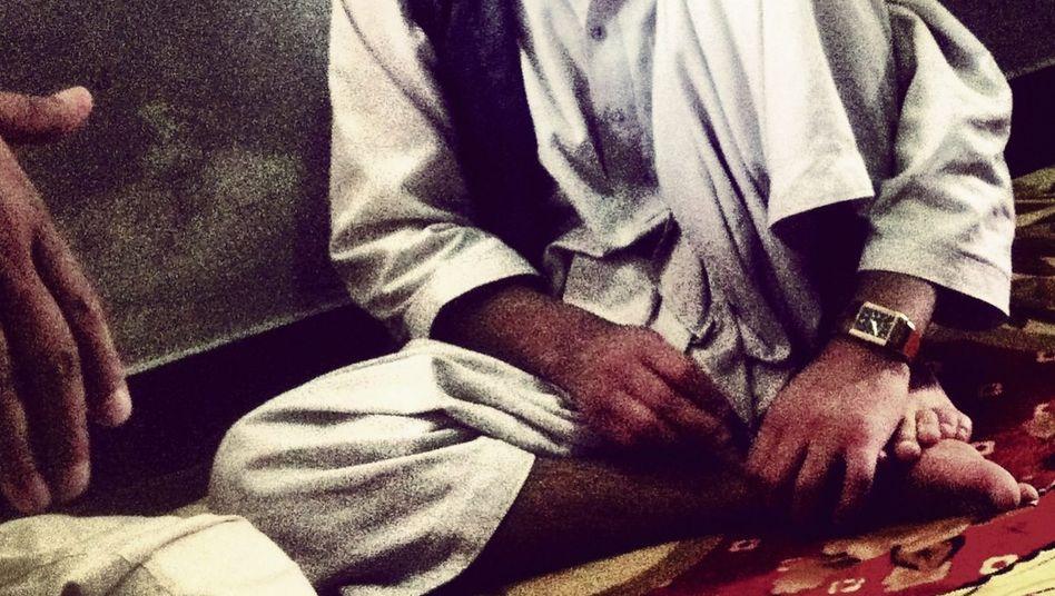 Häftling Azizullah in Kabul, Zellentrakt der Taliban(*)