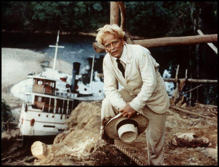 """Musikliebhaber im Amazonasdschungel: Darsteller Kinski in """"Fitzcarraldo"""""""