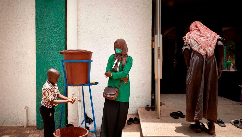 Moschee in der malischen Hauptstadt Bamako: vier Beatmungsgeräte für Millionen Menschen