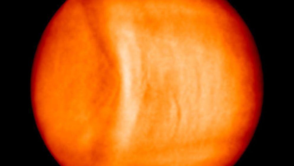 Rätsel in der Atmosphäre: Venus hat den Bogen raus