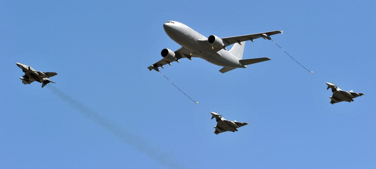 Mali / Tankflugzeug