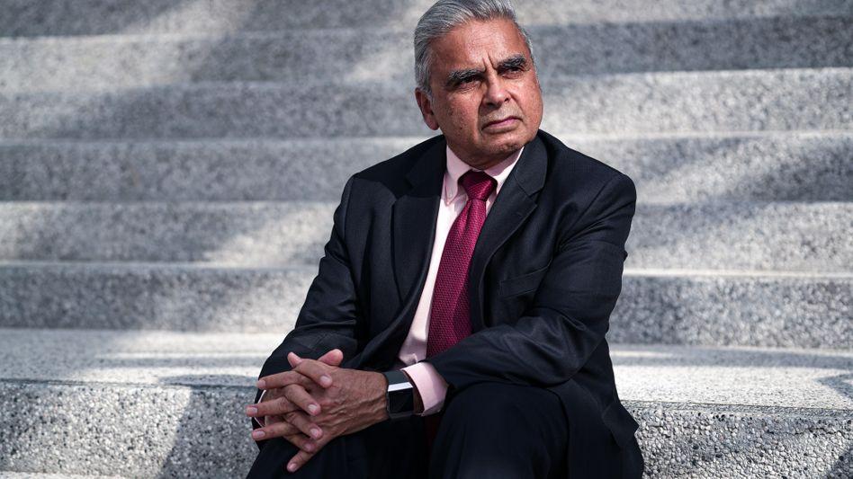 "Political scientist Kishore Mahbubani:""Deep-seated fear of the ""yellow peril"""