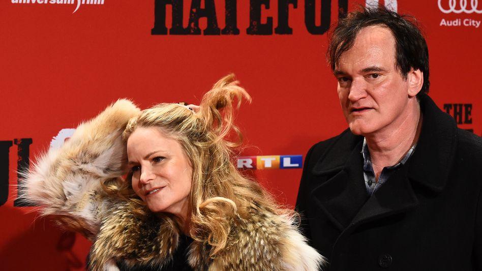 """Schauspielerin Leigh, Regisseur Tarantino (in Berlin): """"Wir lieben Dich alle sehr, Quentin!"""""""