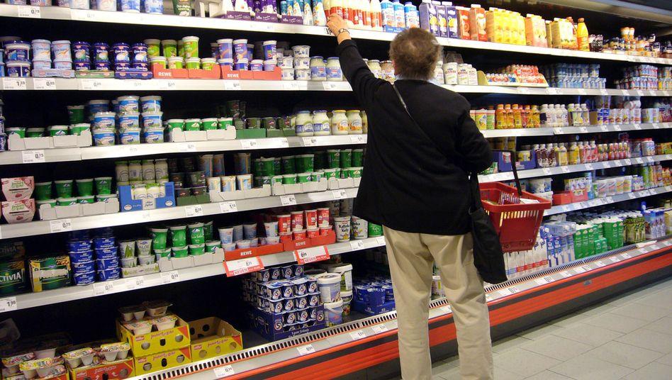 Lebensmittelregal: In reichen Ländern gibt es Essen im Überfluss