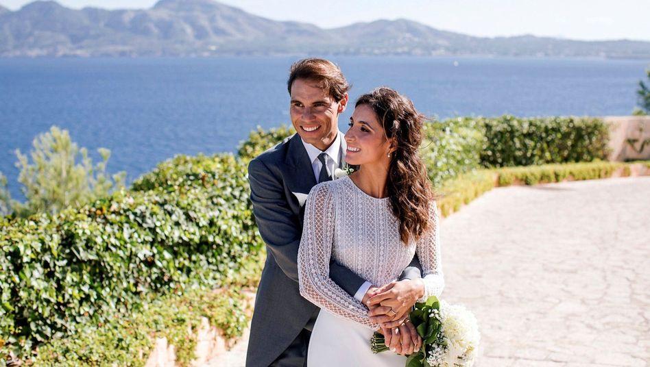 Rafael Nadal mit seiner Frau María Perelló bei der Hochzeit auf Mallorca: Keine Handys erlaubt