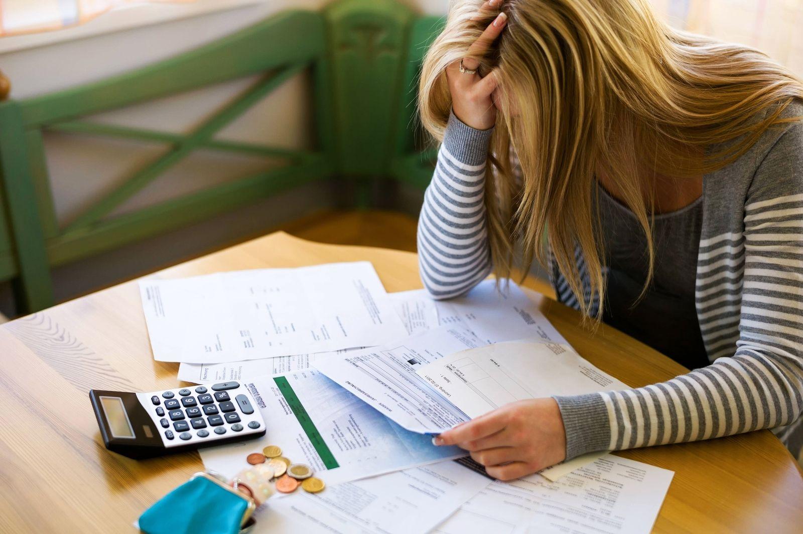 EINMALIGE VERWENDUNG Private Verschuldung / Pleite / Schulden
