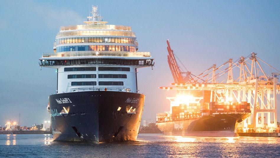 """TUI-Kreuzfahrtschiff """"Mein Schiff 2"""" in Hamburg: Ausbleibende Buchungen und Stornierungen"""