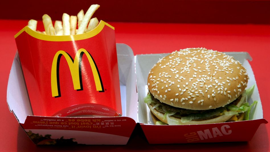 Pommes und Burger: Ein geeignetes Essen für den Schulkiosk?