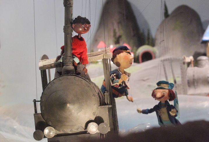 """Jim Knopf und Lokführer Lukas in der """"Augsburger Puppenkiste"""": Streik in Lummerland"""