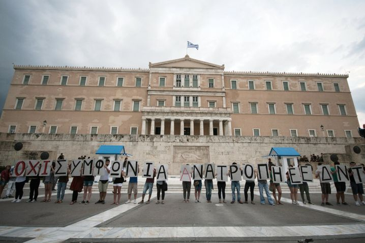 Anti-Europa-Protest in Athen: Sorgenfall Griechenland