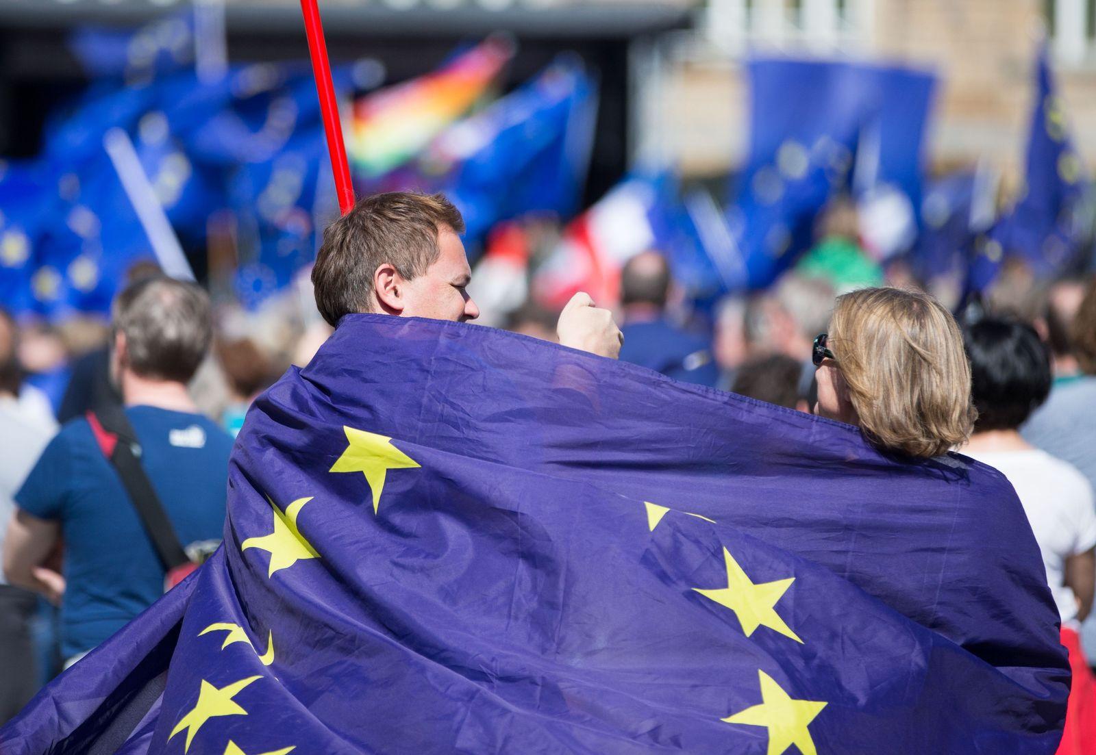Europaflagge Symbolbild