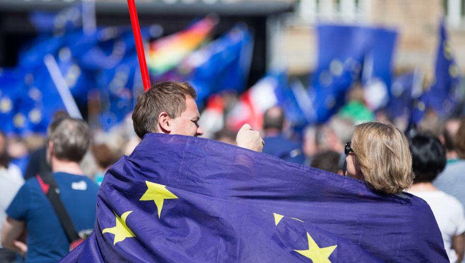 Europäer in Frankfurt (Archiv): Klimaschutz in Deutschland vor Arbeitsplätzen