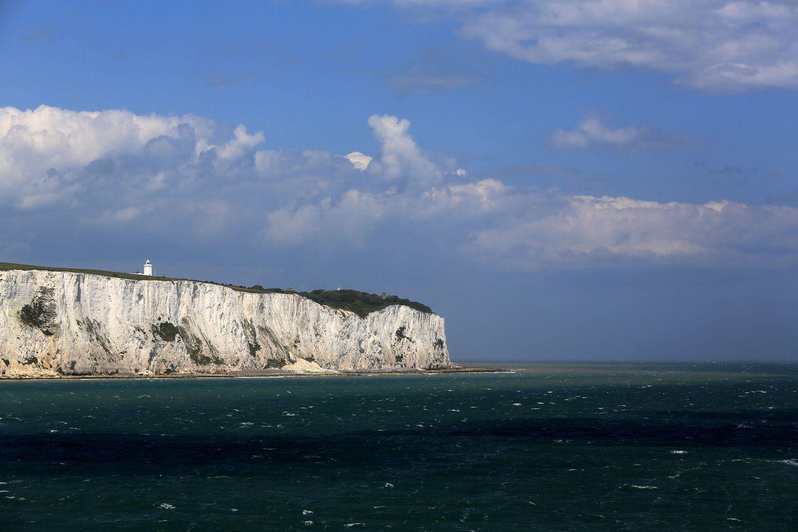 EINMALIGE VERWENDUNG England / Dover / weiße Klippen