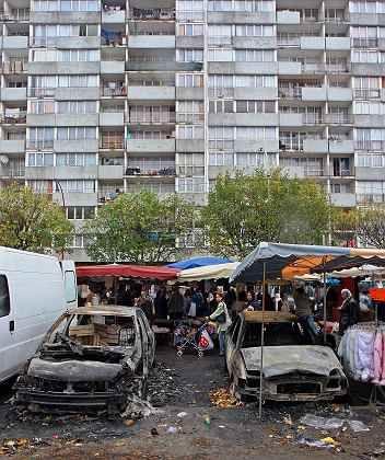 Ausgebrannte Autos in Pariser Vororten: In Frankreichs Hauptstadt gibt es seit Tagen Krawalle