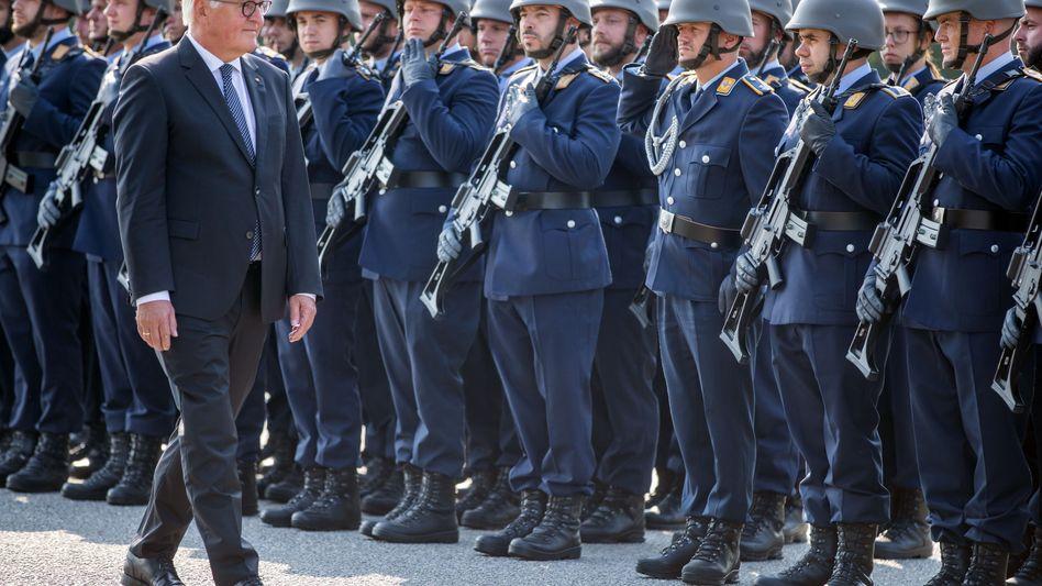 Stiefel der Luftwaffe - hier bei einem Besuch des Bundespräsidenten Frank-Walter Steinmeier in Cammin in Mecklenburg-Vorpommern