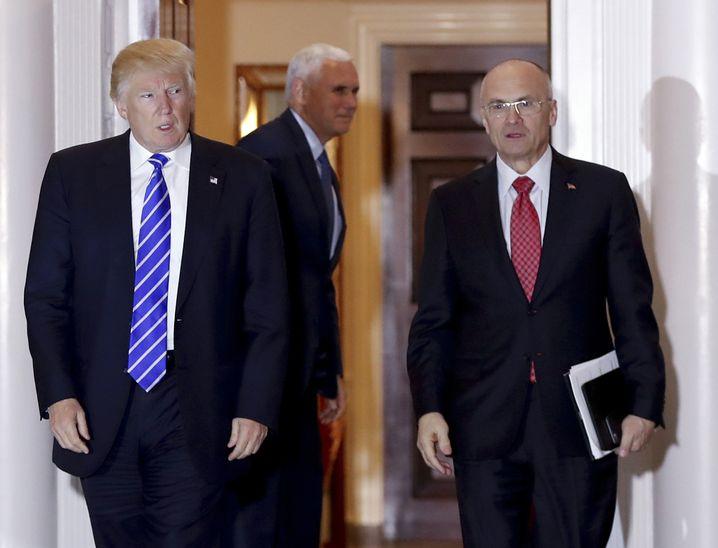 Trump, Vize Pence, Kandidat Puzder