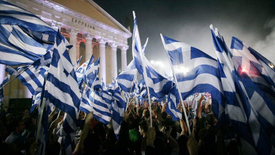 Griechische Fahnen in Athen: Bleibt das Land in der Euro-Zone?