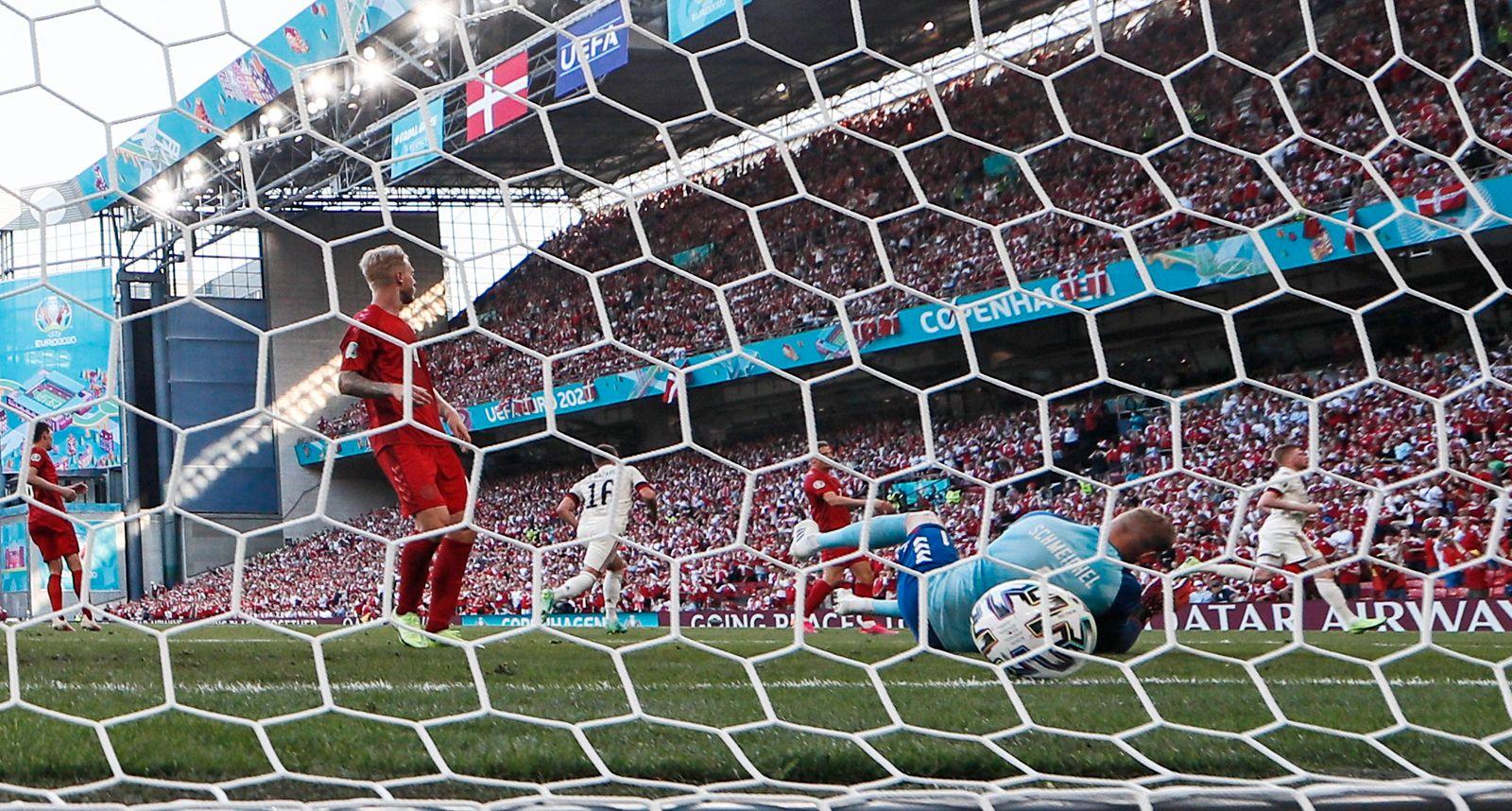 Fußball EM - Dänemark - Belgien