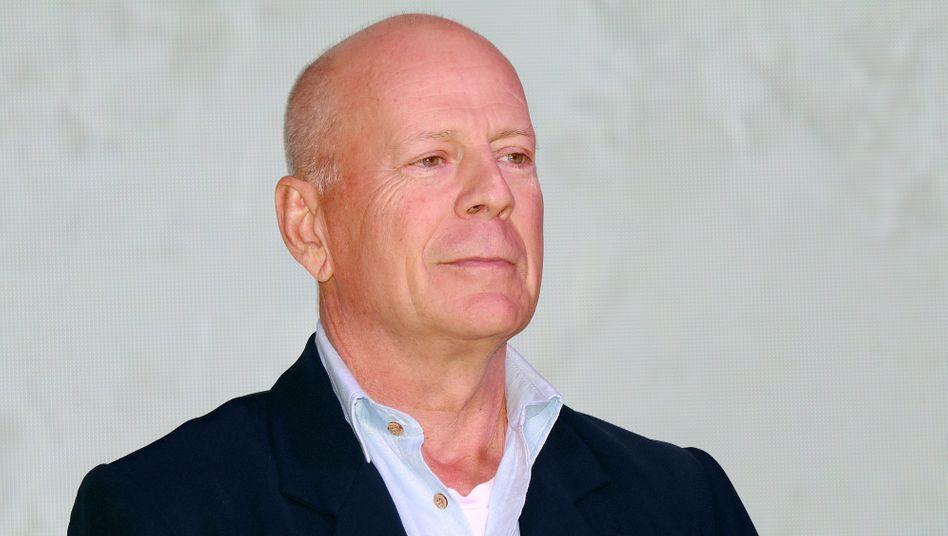 Offenbar oben ohne unterwegs: Bruce Willis