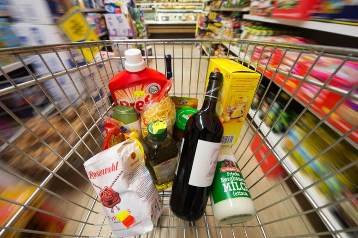 """Supermarkt-Einkauf: """"Bananen und Litschis werden teurer"""""""