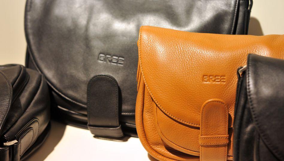 Modelle des Taschenherstellers Bree in Hannover (Archivbild): Neuer Investor soll die Zukunft des insolventen Hamburger Taschenherstellers sichern