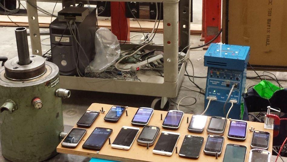 App-Test auf Rütteltisch: Smartphones als Bebenwarnsystem