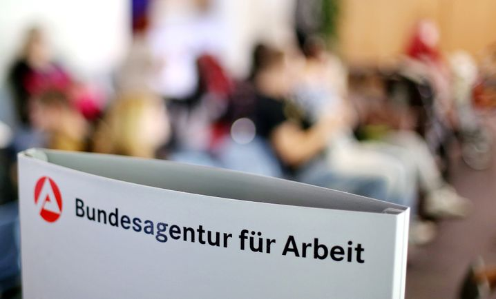 Wartezimmer im Jobcenter in Leipzig
