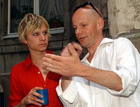 Spielt den jungen Kinski: Robert Stadlober (l.) mit Regisseur Dessbesell-Schüler