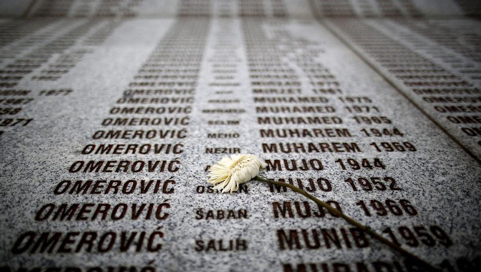 """Gedenkstein für die Opfer von Srebrenica: """"Wir hoffen, damit das Leid zu lindern"""""""