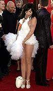Pop-Elfe im Schwanenkleid: Björk bei der Verleihung der Academy Awards im März 2001 in Los Angeles