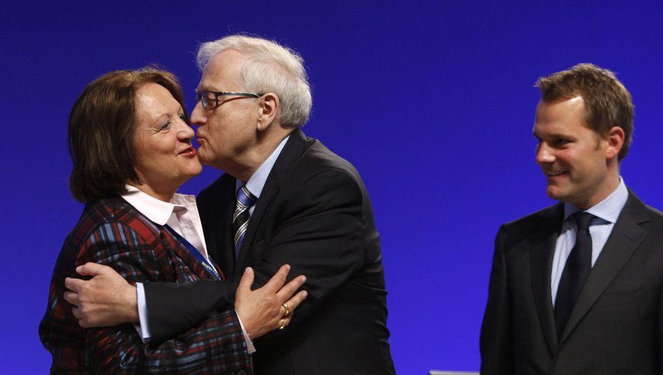 """Leutheusser-Schnarrenberger und Brüderle (mit Minister Bahr): """"Kirche im Dorf lassen"""""""