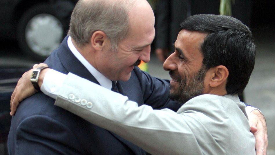 Alexander Lukaschenko, Mahmud Ahmadinedschad: Freunde unfreier Netze