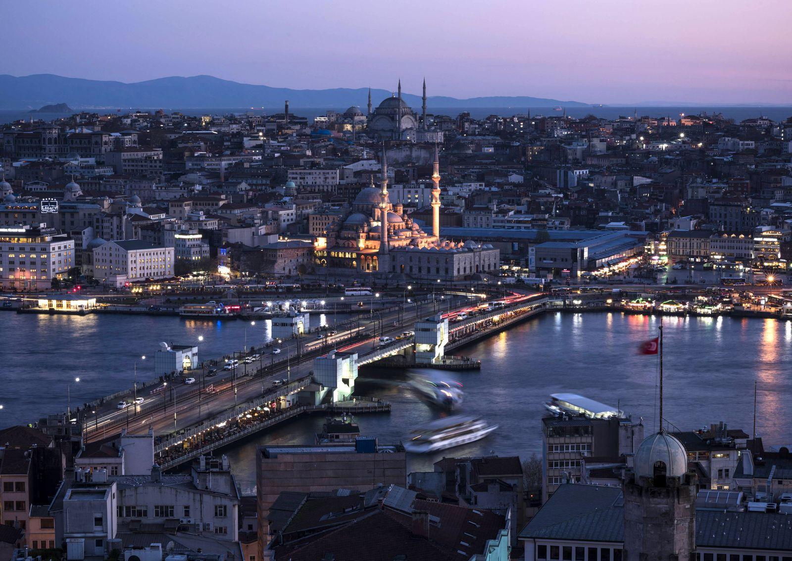 Türkei / Istanbul / Galata Turm / Nachts