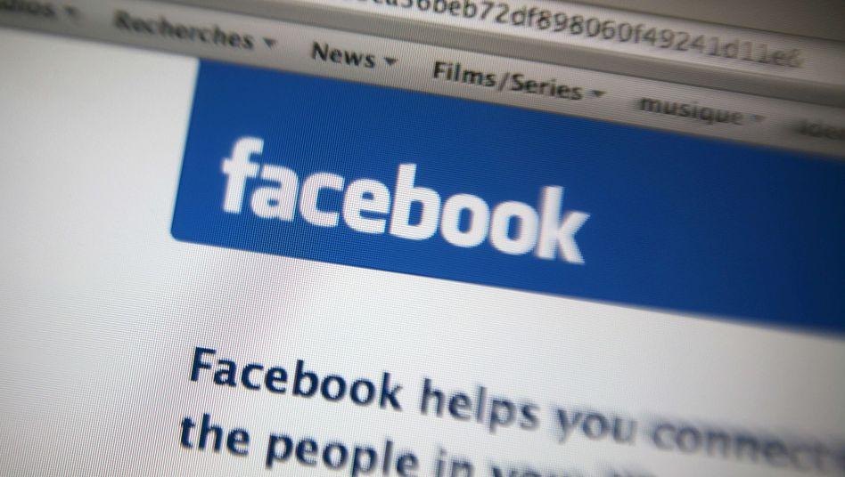 Internetseite von Facebook: Einen Post von der Kündigung entfernt
