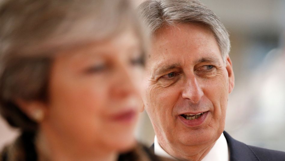 Premierministerin Theresa May, Finanzminister Philip Hammond