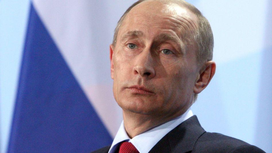 Premier Putin: Erleichterung bei deutschen Politikern, Entsetzen beim russischen Botschafter