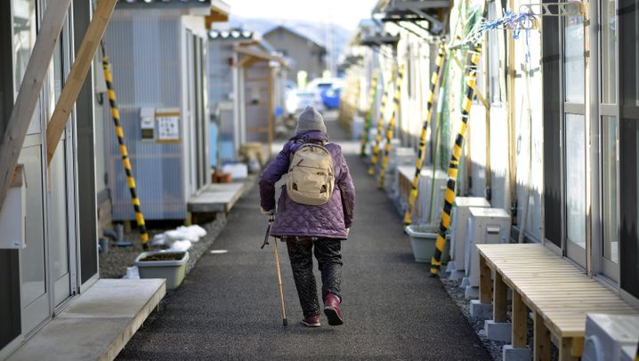 Fukushima: Alltag in trostlosen Boxen